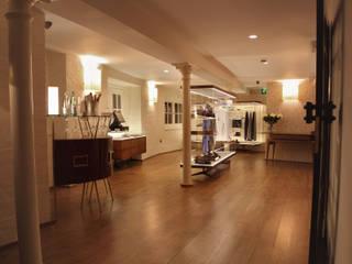 Ristorante Salotto & Roda - Londra: Negozi & Locali commerciali in stile  di Archifacturing