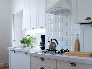 BIAŁA KUCHNIA W STYLU SKANDYNAWSKIM Skandynawska kuchnia od studio projektowe KODA design Dawid Kotuła Skandynawski