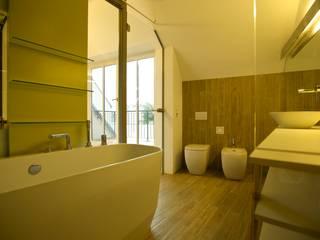 bad:  Badezimmer von 3rdskin architecture gmbh