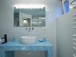 Villa Riegelsberg Moderne Badezimmer von Bolz Licht und Wohnen 1946 Modern