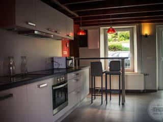 de estilo  por DONATIENNE PARISSE architecte d'intérieur, Moderno
