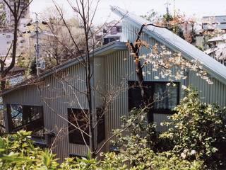 Maisons de style  par 畠山都市建築事務所