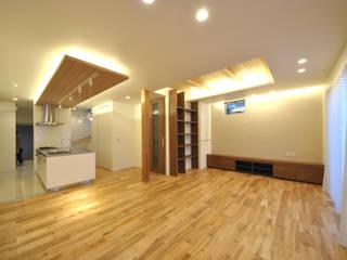 音楽室のある家: エヌスペースデザイン室が手掛けたリビングです。