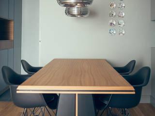 house#03 sala da pranzo:  in stile  di andrea rubini architetto