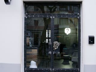 La Designeria: Bar & Club in stile  di deZign Studio