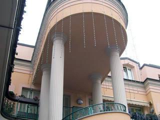 Abitazione privata e S.P.A. a Milano Balcone, Veranda & Terrazza in stile classico di Studio di Architettura Parodo Classico