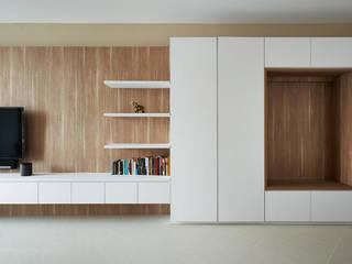 Salas de estilo moderno de Eightytwo Pte Ltd Moderno