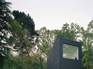 Minimalist house by RAUM Minimalist