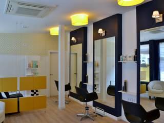 Moderne Ladenflächen von MIMESIS INTERIORISMO Modern