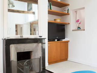 Loft à Paris Bastille: Salon de style de style Scandinave par 2design