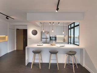 Cocinas de estilo moderno de Eightytwo Pte Ltd Moderno