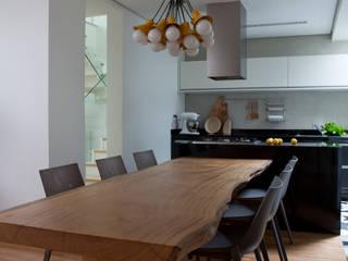 Consuelo Jorge Arquitetos Ruang Makan Modern