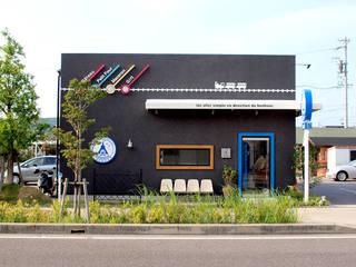 パティスリーしあわせのえき: コムデザインラボが手掛けたオフィススペース&店です。