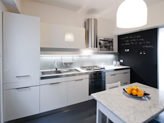 Kitchen by Archifacturing, Modern