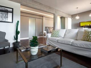 Appartamento ad Ostiense - Roma: Soggiorno in stile in stile Moderno di Archifacturing