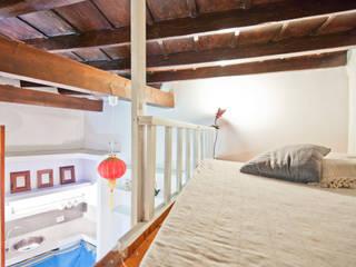 Moderne woonkamers van RCFZERO Modern
