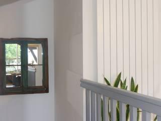 Nos meubles chez vous ! Couloir, entrée, escaliers industriels par Hewel mobilier Industriel