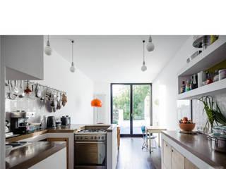 küche _ 3. obergeschoß beissel schmidt architekten Moderne Küchen