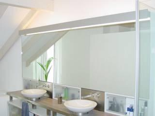 Loft Zweibrücken: moderne Badezimmer von Bolz Planungen für Licht und Raum