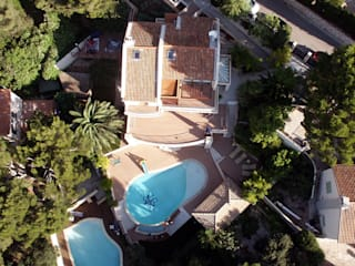 VILLA À CASSIS Balcon, Veranda & Terrasse modernes par 2Y Architecture Moderne