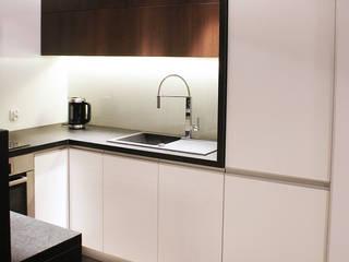 KUCHNIA W KONTRAŚCIE Minimalistyczna kuchnia od studio projektowe KODA design Dawid Kotuła Minimalistyczny