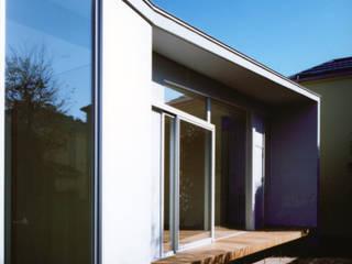 Casas de estilo  por 小平惠一建築研究所, Moderno