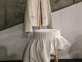 Dress up stool: Studio KANALI의