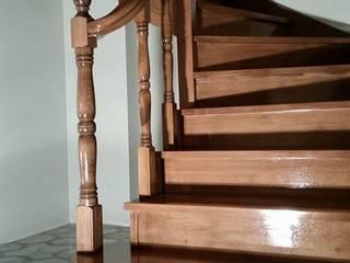 Yıldız  Ahşap merdiven ve küpeşte – U dönüşlü merdiven:  tarz