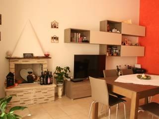 Abitazione S.C.: Sala da pranzo in stile  di STUDIO 360 - Studio Tecnico di Ingegneria e Architettura