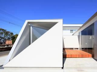 Maisons de style  par 小平惠一建築研究所, Moderne
