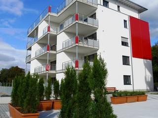 Parkresidenz Bauxhof: moderne Häuser von STORMS SCHLÜSSELFERTIG GmbH
