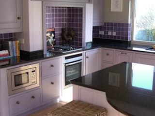 Hand Painted Kitchens Classic style kitchen by Carte Blanche Decorative Painters Classic