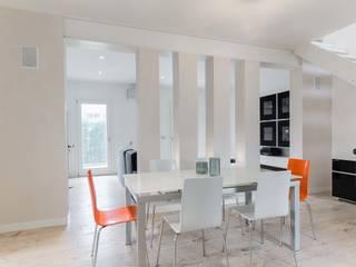 Ruang Makan Minimalis Oleh SANSON ARCHITETTI Minimalis