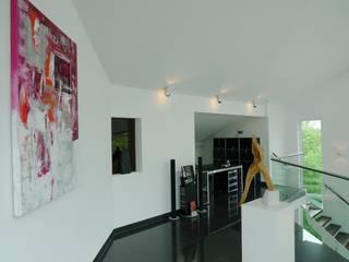 Loft Saarbrücken Moderne Arbeitszimmer von Bolz Licht und Wohnen 1946 Modern