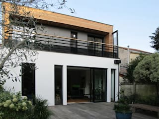 Rénovation/Surélévation d'une échoppe Maisons modernes par EIRL Hugues DRAPEAU Architecte Moderne