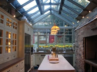 A Little Bit of Italy  - Loch Tay: mediterranean Kitchen by Carte Blanche Decorative Painters