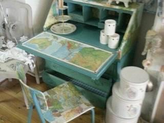 Bureau decoupage met oude bosatlas van gustaviaans vintage homestyle Eclectisch