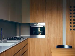 house#02 cucina:  in stile  di andrea rubini architetto