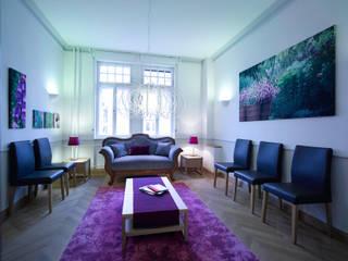 Arztpraxis in denkmalgeschütztem Gebäude - Wartezimmer:  Praxen von Rosenberger + Neidhardt