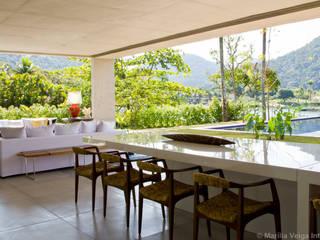 Jantar + Vista: Salas de jantar  por Marilia Veiga Interiores