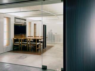 本香 Book Perfume: UZUが手掛けたオフィススペース&店です。