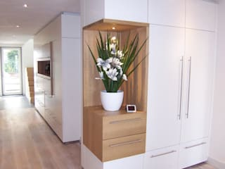EIKplan architecten BNA Modern corridor, hallway & stairs