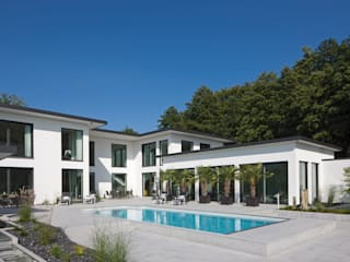 Modern pool by Löchte GmbH Modern
