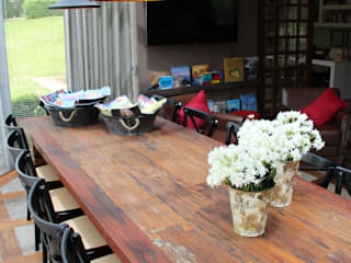 Rustic style event venues by Bender Arquitetura Rustic