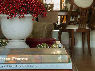 COUTURE INTERIORS Klassische Wohnzimmer