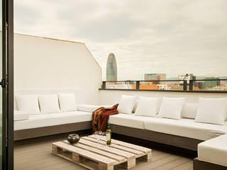 estudioitales Balcone, Veranda & Terrazza in stile moderno