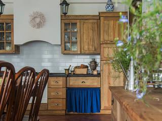 Загородный дом в скандинавском стиле: Кухни в . Автор – COUTURE INTERIORS