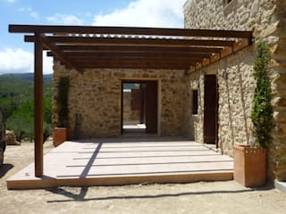 Country style house by pep sala + rosa-mari portella arquitectura Country