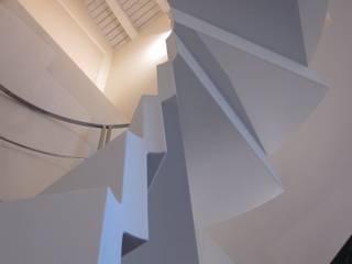 Residenza privata - Design : Betelli- Mabele Lab Ingresso, Corridoio & Scale in stile moderno di MABELE by MA-Bo srl Moderno
