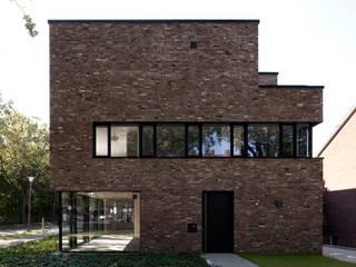 Haus Strathmann Münster: moderne Häuser von Andreas  Heupel Architekten BDA